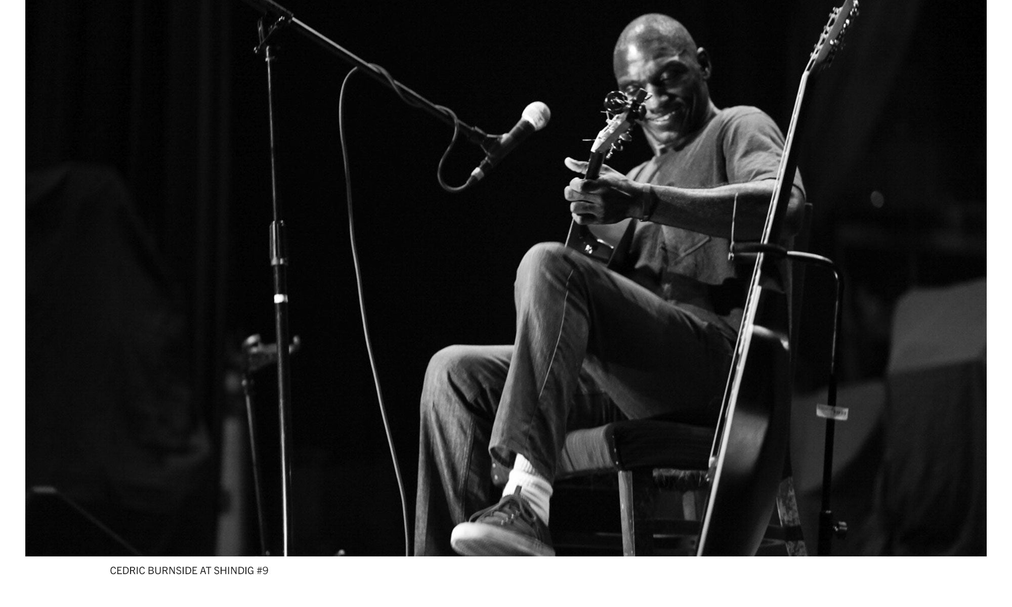 Photo of singer/songwriter Cedric Burnside playing at the famous Billy Reid Shindig #9