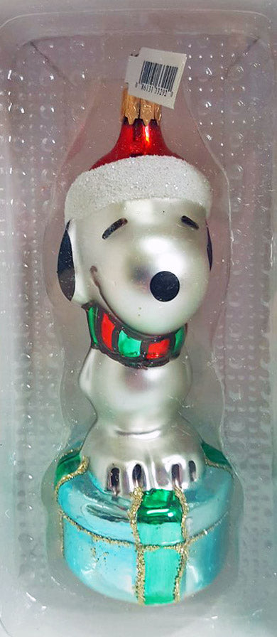 Snoopy On Gift Polonaise-Style Glass Ornament