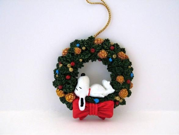 ADLER SNOOPY ON WREATH ORNAMENT