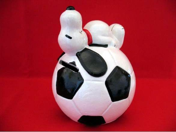 SNOOPY SOCCER BALL Bank