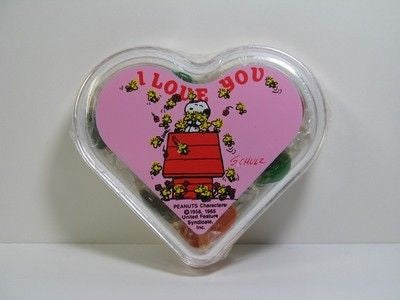 Snoopy on Doghouse Candy Box