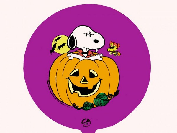 "Snoopy 9"" Dracula Halloween Balloon (Air fill)"