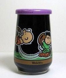 Welch's Jelly Glass:  Lucy And Charlie Brown Play Football