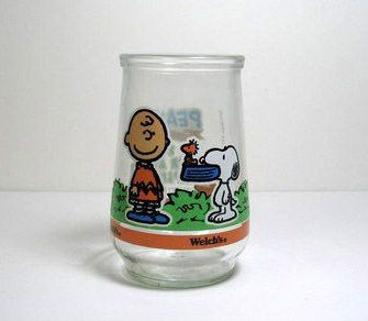 Welch's Jelly Glass:  Charlie Brown Feeds Snoopy