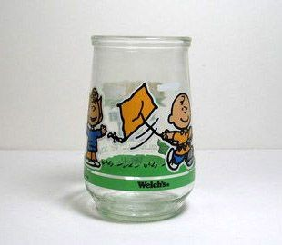 Welch's Jelly Glass:  Charlie Brown Flies A Kite