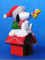 ADLER SNOOPY ON DOGHOUSE LIGHTED MUSICAL ORNAMENT