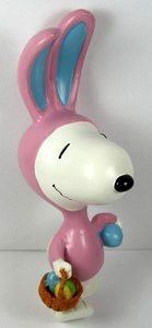 SNOOPY EASTER BEAGLE LARGE PVC TABLE PIECE