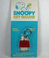 Aviva Key Chain - SNOOPY ON DOGHOUSE