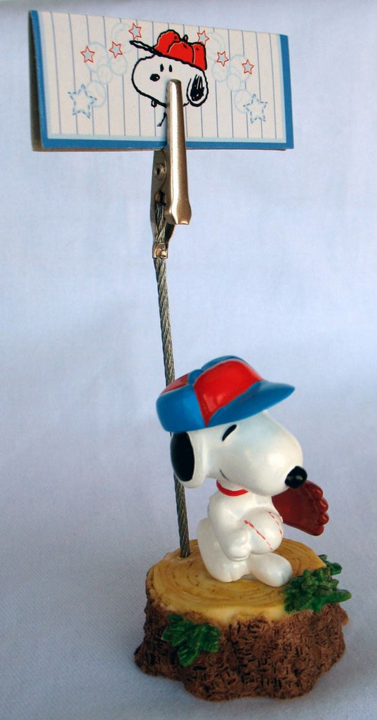 Snoopy Baseball Player Note Holder