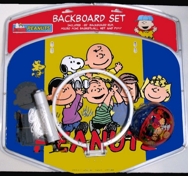 Peanuts Gang Basketball Backboard and Ball Set