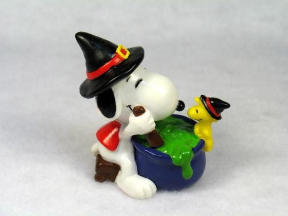 SNOOPY AT CAULDRON PVC