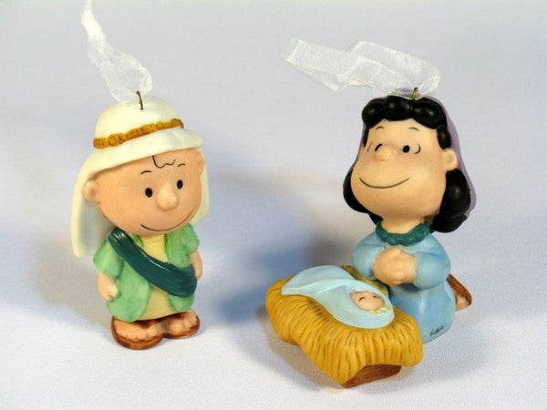 2001 Peanuts Pageant Christmas Ornament Set