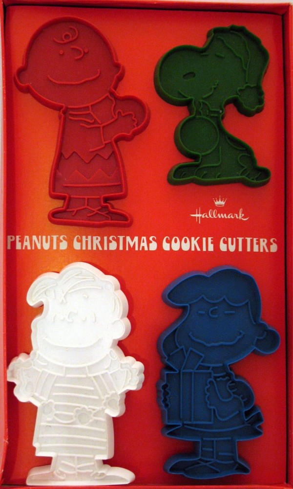 Peanuts Gang Hallmark Cookie Cutter Set