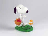 Danbury Mint Snoopy Spring Figurine - Easter Egg Hunt