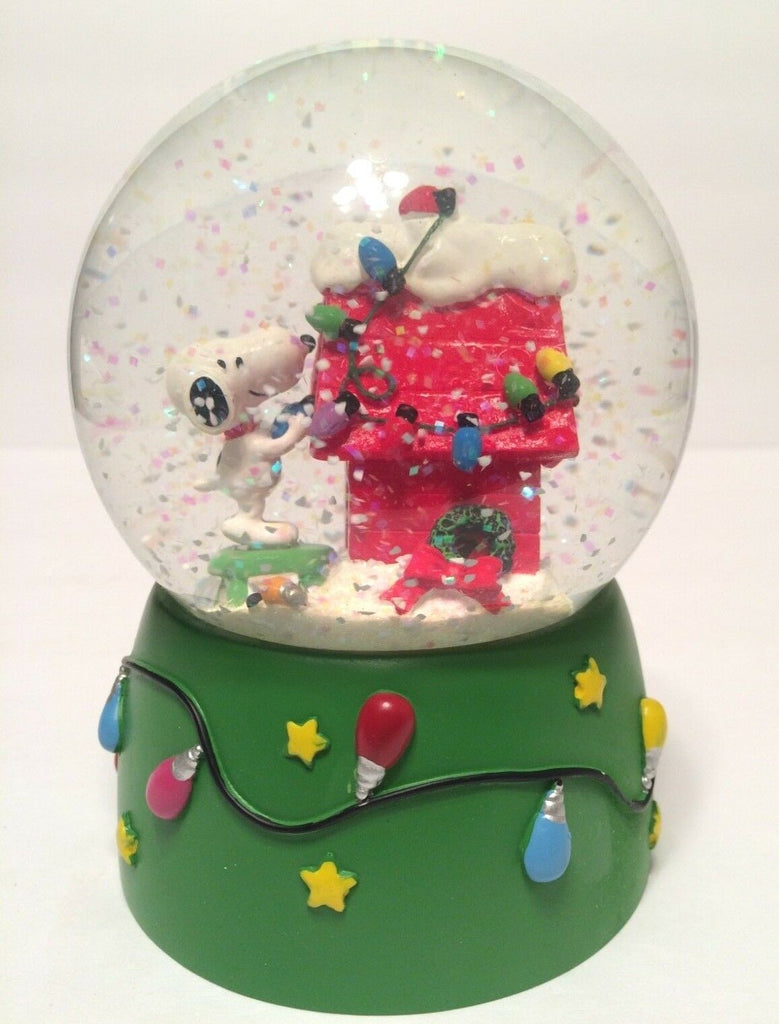"Dept. 56 ""Getting Ready For Christmas"" Snow Globe"