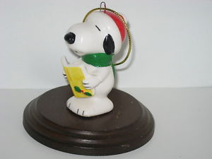 1981 Snoopy Caroler Christmas Ornament
