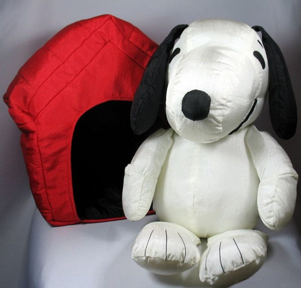 "Snoopy and Doghouse ""Marshmallow"" Doll Set"