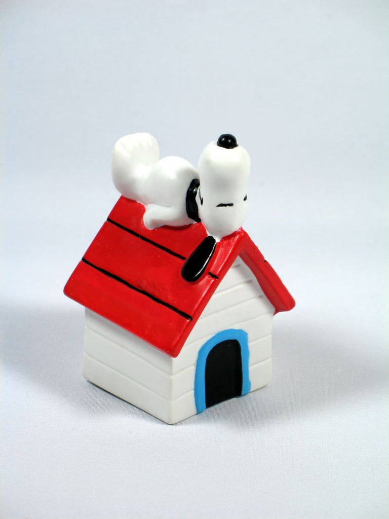 SNOOPY'S DOGHOUSE PVC