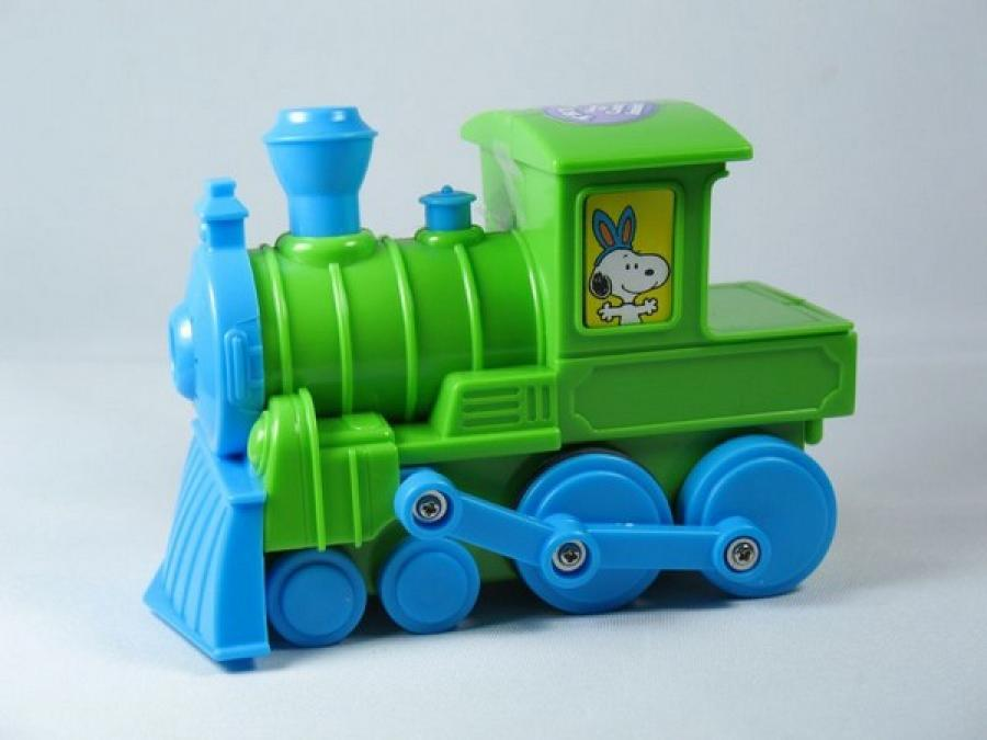 Snoopy Candy-Filled Musical Easter Train - Green