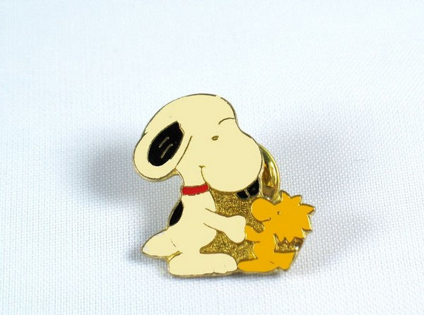 "Snoopy and Woodstock Shake ""Hands"" Pin"