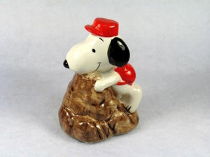 Snoopy Climbing Mountain Paperweight