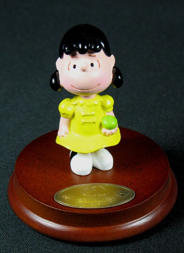 Peanuts Mini Figurine On Wood Stand - Lucy