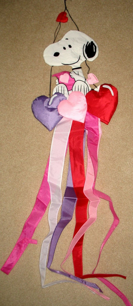 SNOOPY HEARTS Windsock
