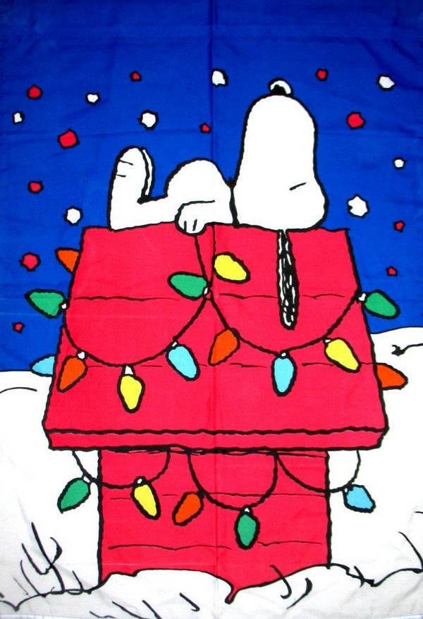 SNOOPY'S DECORATED DOGHOUSE Flag
