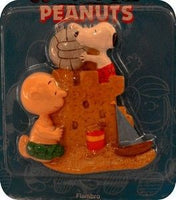 Charlie Brown and Snoopy At Beach Flambro Magnet