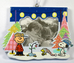 2009 Charlie Brown and Snoopy Picture Frame Christmas Ornament