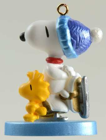 2001 WINTER FUN WiITH SNOOPY #4 Miniature Christmas Ornament