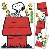 Giant Snoopy and Doghouse Bulletin Board Wall Decor Set