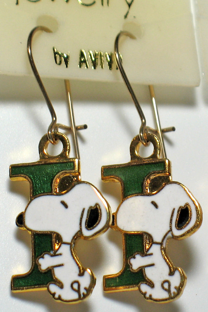 "Snoopy Alphabet Cloisonne Latch Back Earrings - Green ""I"""