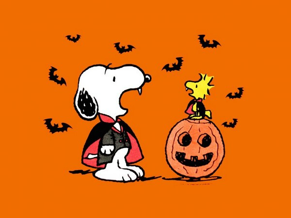Snoopy Halloween T-Shirt (2XL Size Available)