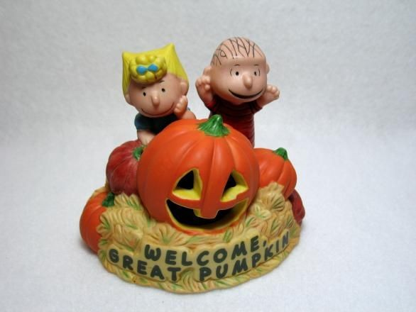 Hallmark Figurine:  The Great Pumpkin with Lights