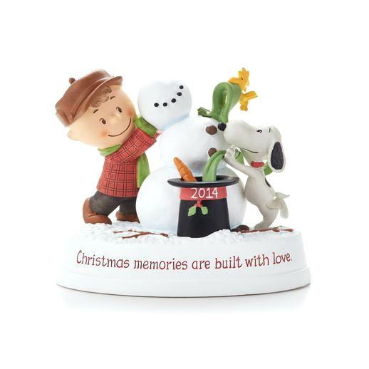 Hallmark Christmas Figurine: Christmas Memories
