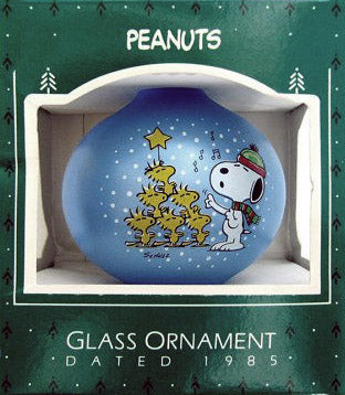 1985 Snoopy Teardrop-Shape Glass Christmas Ornament