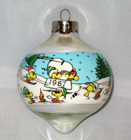 1987 Peanuts Teardrop-Shape Glass Christmas Ornament