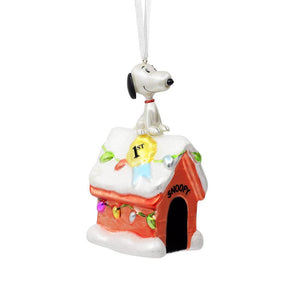 2017 SNOOPY'S WINNING DECORATED DOGHOUSE GLASS ORNAMENT