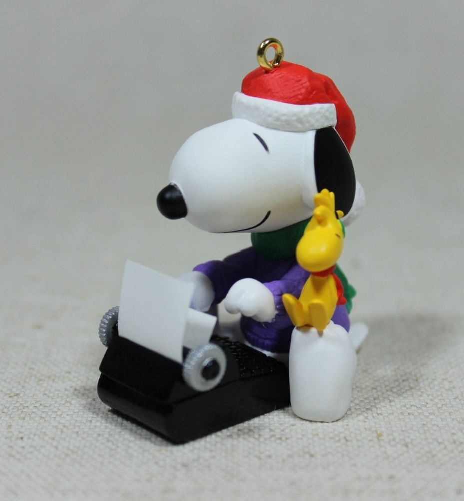 2002 Snoopy Literary Ace Christmas Ornament