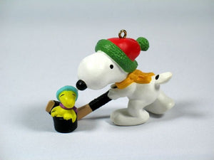 1985 Snoopy Hockey Player Christmas Ornament