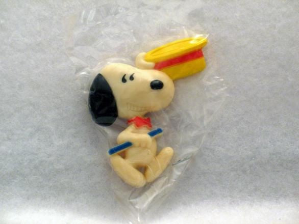 Snoopy Holding Hat and Cane magnet