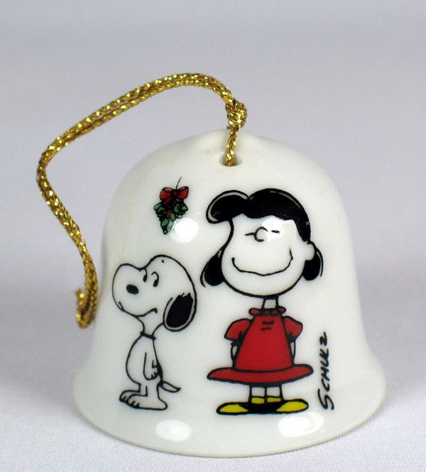 SNOOPY PEANUTS CHARLIE BROWN DETERMINED PORCELAIN CHRISTMAS BELL ORNAMENT 1977