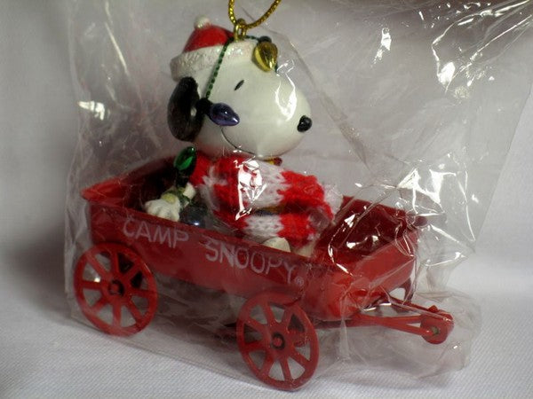 ADLER SNOOPY IN METAL WAGON ORNAMENT
