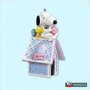 2005 Snoopy's Easter Doghouse Christmas Ornament