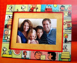 Hallmark Peanuts Gang Picture Frame