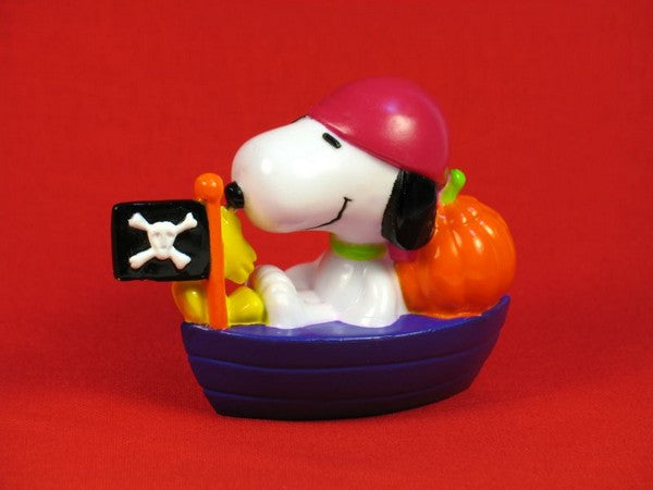 SNOOPY HALLOWEEN PIRATE PVC