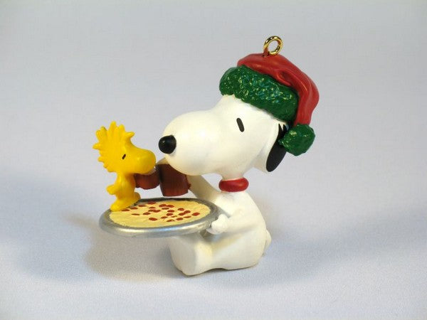 1991 Snoopy and Woodstock Pizza Christmas Ornament