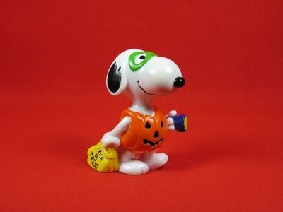 SNOOPY TRICK OR TREAT PVC