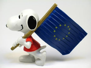 SNOOPY CARRYING FLAG OF EUROPE PVC